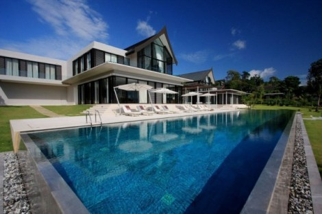 luxurious-phuket-villa-with-great-pool-view
